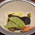 Nishin of haring uit Stille Oceaan en aubergine (in gekookte vissaus?)